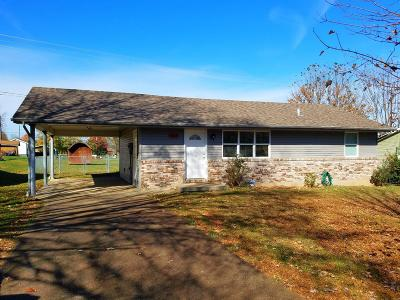 Somerset Single Family Home For Sale: 5005 Maple Grove Drive