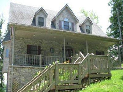 Burnside, Nancy Single Family Home For Sale: 23 S Highland Drive