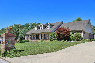 Somerset Single Family Home For Sale: 324 Water Cliff Drive