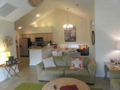 Bronston Condo/Townhouse For Sale: 382 Chateau Place