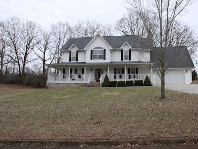 Somerset Single Family Home Active Under Contract: 250 Shadow Oak Drive