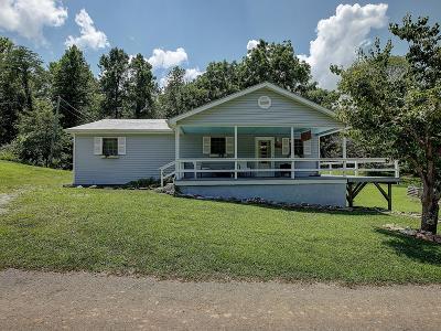 Burnside, Nancy, Somerset Single Family Home For Sale: 51 Thoreau Drive