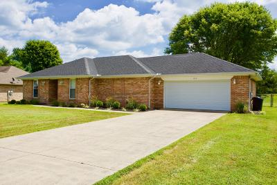 Burnside, Nancy, Somerset Single Family Home For Sale: 137 Chestnut Oak Drive