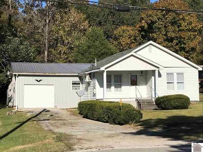 Caldwell County Single Family Home For Sale: 1013 N Jefferson
