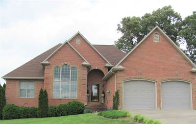 Cadiz Single Family Home For Sale: 210 Choctaw Drive