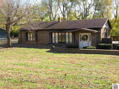 Princeton Single Family Home Contract Recd - See Rmrks: 106 Dogwood Lane