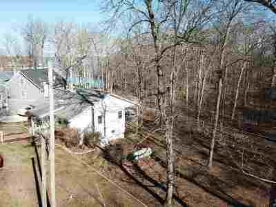 Benton Single Family Home For Sale: 376 Peachtree Drive