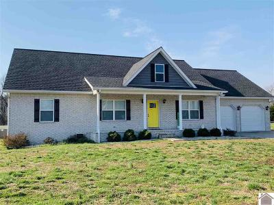 Calloway County, Marshall County Single Family Home Contract Recd - See Rmrks: 2217 Carolwood Way