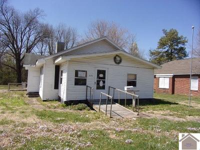 Single Family Home Contract Recd - See Rmrks: 203 N 17th