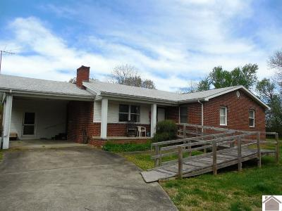 Paducah Single Family Home Contract Recd - See Rmrks: 435 County Line Road