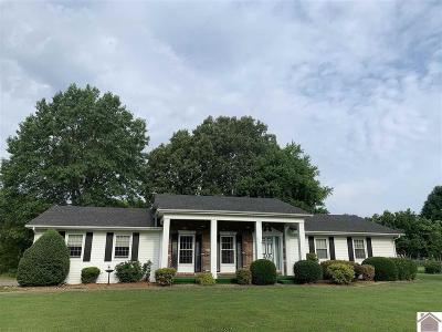 Benton Single Family Home Contract Recd - See Rmrks: 219 West Oaks Drive