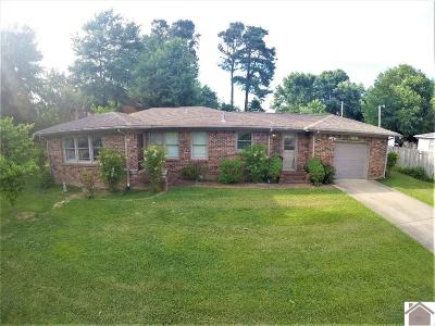 Paducah Single Family Home Contract Recd - See Rmrks: 131 Holmes Drive