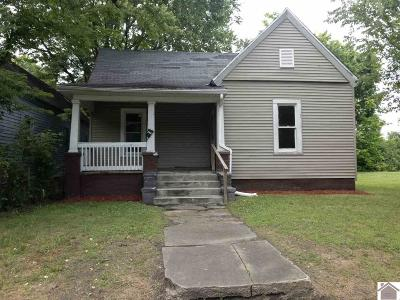 Single Family Home For Sale: 615 Husbands St