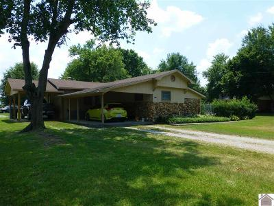 Paducah Single Family Home Contract Recd - See Rmrks: 3131 Estes Lane