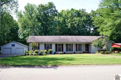 Calloway County Single Family Home Contract Recd - See Rmrks: 1409 Dudley Drive