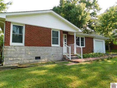 Calloway County Single Family Home Contract Recd - See Rmrks: 1508 Johnson Dr