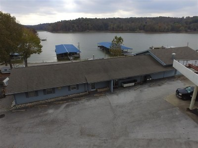 Commercial For Sale: 3025 Rockcastle Road