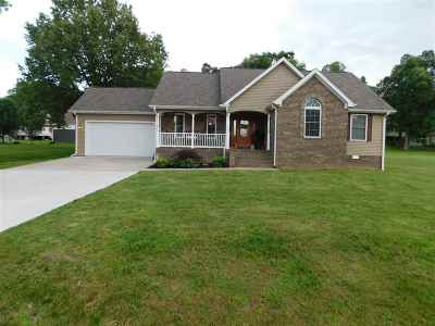 Calvert City Single Family Home Contract Recd - See Rmrks: 215 Royal Park Drive