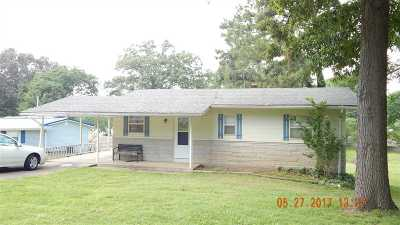 Single Family Home For Sale: 516 Moor's Rd.