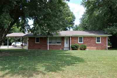 Single Family Home Contract Recd - See Rmrks: 1547 U.s. Hwy. 60 W