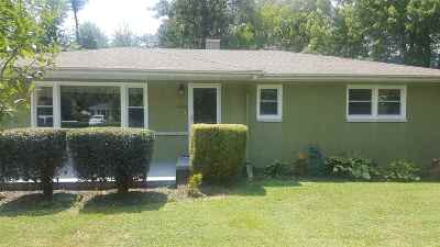 McCracken County Single Family Home Contract Recd - See Rmrks: 1325 Charleston Drive