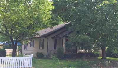 Princeton Single Family Home For Sale: 410 N Jefferson St