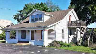 Cadiz Single Family Home For Sale: 261 Main St.