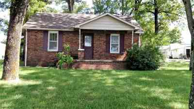 Princeton Single Family Home For Sale: 606 Marion Rd