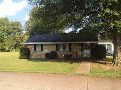 Caldwell County Single Family Home Contract Recd - See Rmrks: 123 Jacob Dr.
