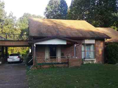 Calvert City KY Single Family Home For Sale: $145,000