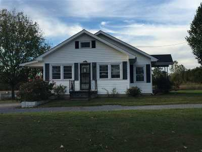 Princeton Single Family Home For Sale: 379 Lewistown Church Road