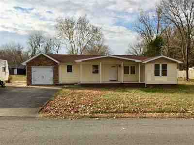 Benton Single Family Home Contract Recd - See Rmrks: 1202 Valley Rd.