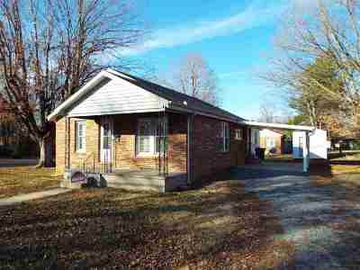 Benton Single Family Home Contract Recd - See Rmrks: 218 W 9th St