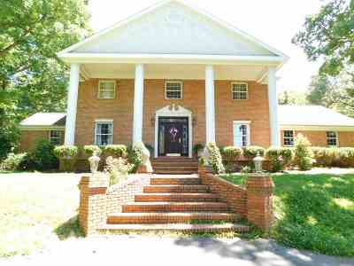 Benton Single Family Home Contract Recd - See Rmrks: 210 Country Club Drive