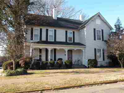 Caldwell County Single Family Home For Sale: 205 N Seminary Street