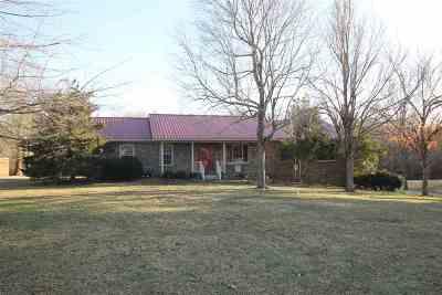 Calvert City Single Family Home Contract Recd - See Rmrks: 152 Breeze Lane