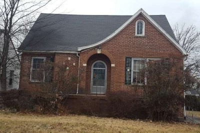 McCracken County Single Family Home For Sale: 2403 Monroe St