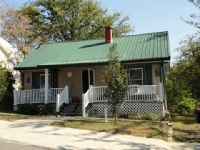Eddyville Single Family Home For Sale: 229 Main Street