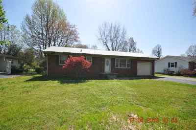 Calvert City Single Family Home Contract Recd - See Rmrks: 677 Hickory Street
