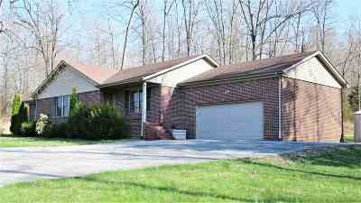 Trigg County Single Family Home For Sale: 49 Deer Run Rd.