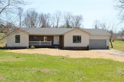 Eddyville Single Family Home For Sale: 586 Lake Scene Drive