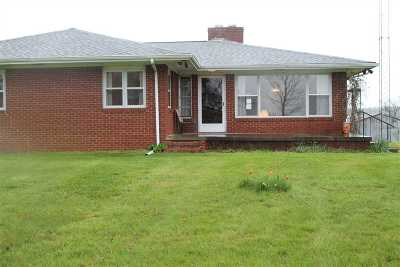 Caldwell County Single Family Home Contract Recd - See Rmrks: 425 Mill Bluff Rd