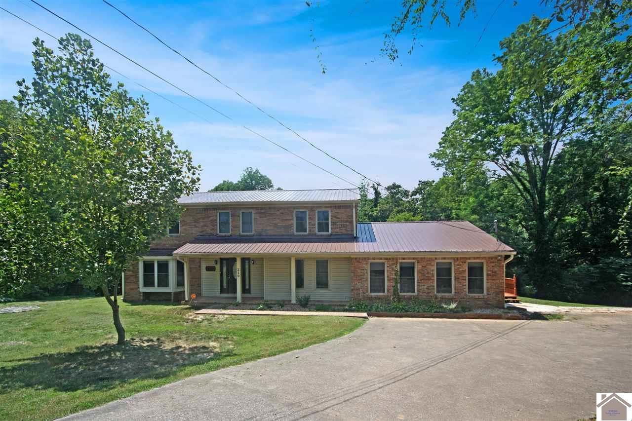 5 bed / 3 baths Home in Paducah for $245,000