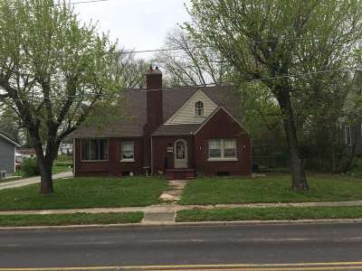 Caldwell County Single Family Home Contract Recd - See Rmrks: 611 Madisonville Street