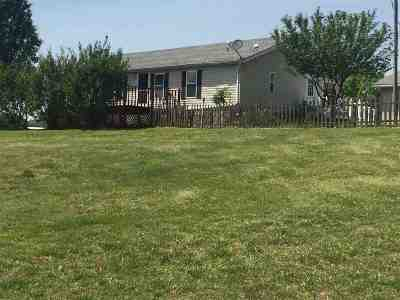 Manufactured Home For Sale: 709 Wood Lane