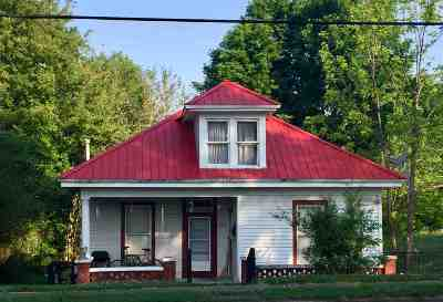Caldwell County Single Family Home For Sale: 703 N Jefferson Street