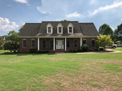 Caldwell County Single Family Home For Sale: 408 Muirfield Drive