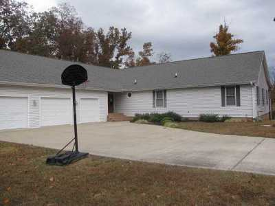 Benton KY Rental For Rent: $1,600