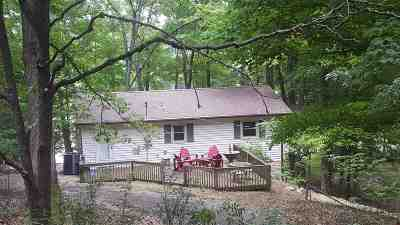 Trigg County Single Family Home For Sale: 212 Cherry Bay Rd