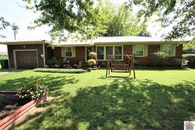 Ledbetter Single Family Home For Sale: 627 Blankenship